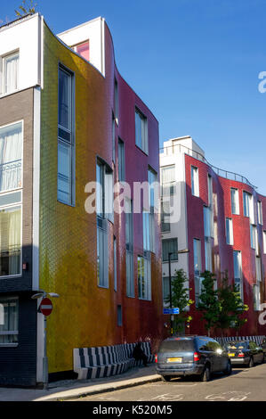 New affordable housing in Brandon Street, South London.  Part of the Elephant & Castle Regeneration housing project. - Stock Photo