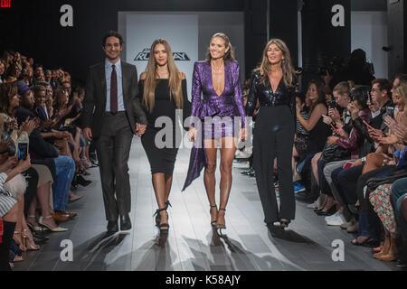New York, USA. 08th Sep, 2017. September 8th 2017 - New York, USA - Za Posen, Jessica Alba, Heidi Klum, Nina Garcia - Stock Photo