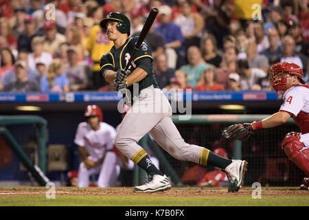 Philadelphia, Pennsylvania, USA. 15th Sep, 2017. Oakland Athletics starting pitcher Daniel Mengden (33) in action - Stock Photo