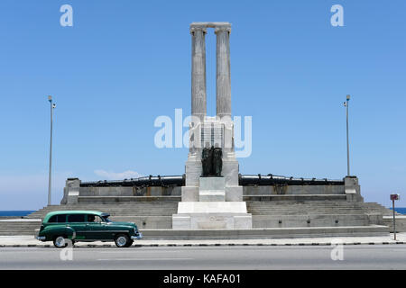 The Monument to the Victims of the USS Maine on the Malecon in the Vedado district of Havana, Cuba. - Stock Photo