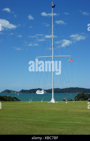 Flagpole in the grounds of the Waitangi Treaty House, Waitangi New Zealand - Stock Photo