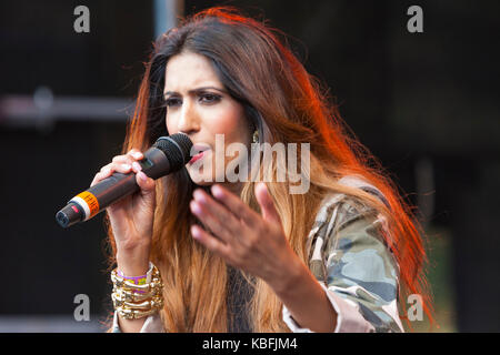 Croydon, London, UK. 30th September, 2017. Tasha Tah performs at Croydon International Mela Festival, Wandle Park, - Stock Photo