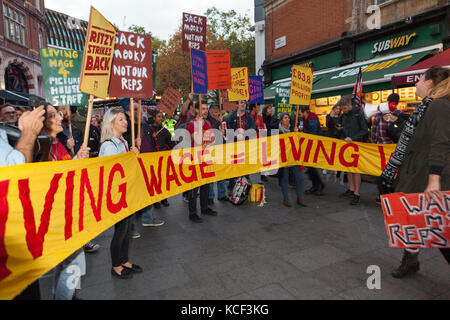 London, UK. 4th Oct, 2017. Striking Cineworld workers hold 'Living Wage' protest at BFI London Film Festival, Leicester - Stock Photo