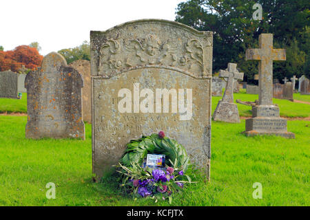 William Green gravestone, 18th century Customs Officer, murdered by Smugglers in 1784, with Border Force wreath, - Stock Photo