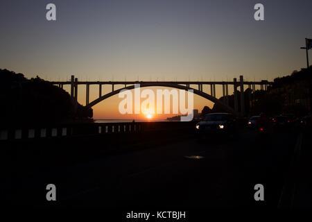 Ponte da Arrábida, Porto, Vila Nova de Gaia, Rio Douro, Pôr do Sol - Stock Photo