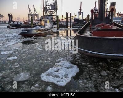 Elbe river under ice, Oevelgoenne, Hamburg, Germany - Stock Photo