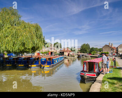 7 July 2017: Bradford on Avon, Somerset, England, UK - Bradford on Avon Wharf, a typical canal basin with colourful - Stock Photo