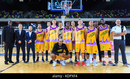 London, UK, 15th Oct 2017. Team shot -The London Lions team 2017/2018 and coaches after the game. the London Lions - Stock Photo