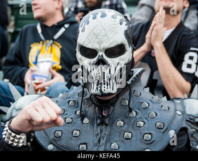 Oct 19 2017 - Oakland CA, U.S.A Oakland Raiders fan during the NFL football game between Kansas City Chiefs and - Stock Photo