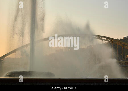 Point State Park Fountain at dawn, downtown Pittsburgh, Pennsylvania, USA - Stock Photo