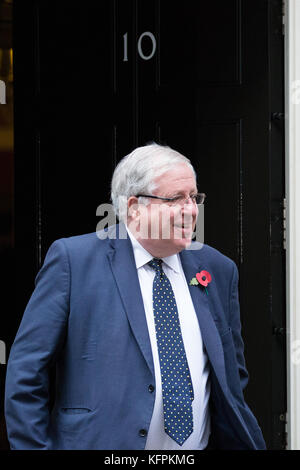 London, UK. 31st October, 2017. Sir Patrick McLoughlin MP, Chancellor of the Duchy of Lancaster, leaves 10 Downing - Stock Photo