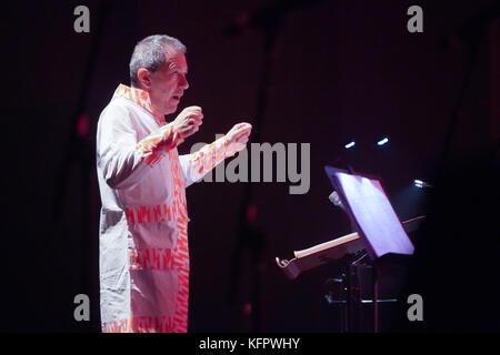 London, UK. 31st Oct, 2017. Aldo Brizzi conducting Orquestra Nova Lisboa during a performance by GIlberto Gil at - Stock Photo
