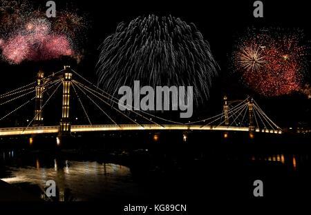 London, UK. 4th November, 2017. 2017 Multiple exposure of Battersea Park fireworks display over Albert Bridge on - Stock Photo