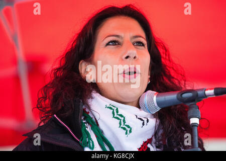 London, UK. 4th November, 2017. Dalia El-Saleh of the Association of the Palestinian Community in the UK (APCUK), - Stock Photo