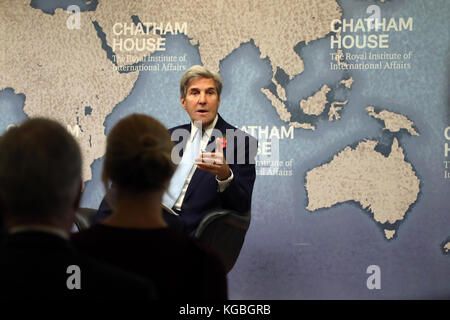 London, UK. 6th November, 2017. John Kerry, former US secretary of state, speaking about the Iranian nuclear deal - Stock Photo