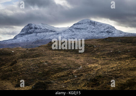 Quinag mountain with Sail Gharbh and Sail Ghorm in winter with snow in Assynt, Sutherland, North West Highlands - Stock Photo