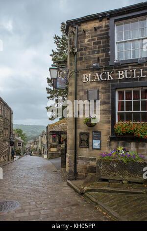 The Black Bull, Main Street, Haworth, West Yorkshire, England, UK: the pub where Branwell Brontë used to drink  - Stock Photo