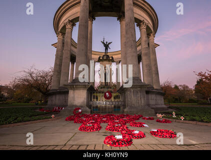 Cardiff, Wales, UK.12th November 2017. The National Memorial, Cardiff at last light on Remembrance Sunday 2017. - Stock Photo