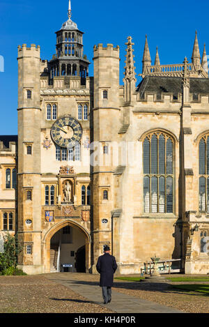 Trinity College Great Court and water fountain at Cambridge University. Cambridgeshire England UK - Stock Photo