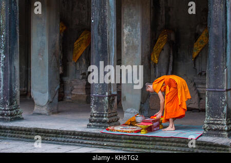 Budhist monk at the Angkor Wat Temple in Siem Reap Cambodia - Stock Photo