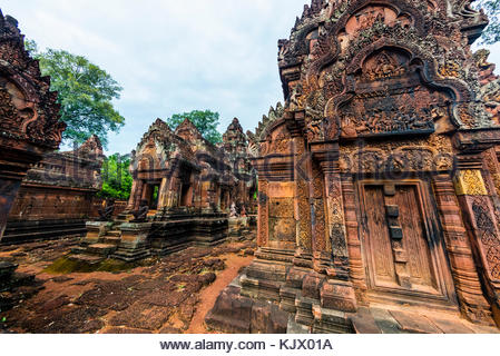 Banteay Srei or Banteay Srey ('Citadel of the Women') is a 10th-century Cambodian temple dedicated to the Hindu - Stock Photo