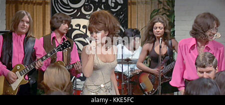 BEYOND THE VALLEY OF THE DOLLS 1970 Twentieth Century Fox film with Dolly Reed on voicals with the Strawberry Alarm - Stock Photo