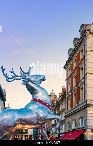 Great Britain, England, London, Covent Garden decorated for Christmas - Stock Photo