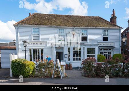 The 18th century Barley Mow Pub on The Green, Englefield Green, Surrey, England, United Kingdom - Stock Photo