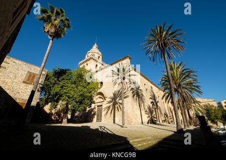Church of San Bartolomé, parish of the village of Montuiri, 14th century, Montuiri, Mallorca, illes balears, Spain. - Stock Photo