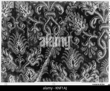 Piece. Date: 16th-17th century; Culture: Italian; Medium: Silk; Dimensions: L. 8 x W. 5 1/2 inches; Classification: - Stock Photo