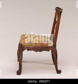 Side chair (one of a pair). Date: ca. 1735-40; Culture: British; Medium: Mahogany; Dimensions: 36 x 26 x 25 1/2 - Stock Photo