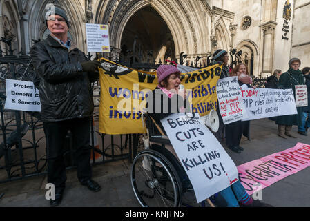 December 12, 2017 - London, UK. 12th December 2017. A lunchtime vigil by Mental Health Resistance Network, Winvisible - Stock Photo