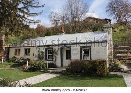 Arrowtown, South Island, New Zealand - September 23,2017 : The Dudley`s Cottage that serves as a cafe, gift store - Stock Photo