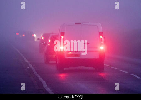 Southport, Merseyside. Dense Fog. 18th December 2017. UK Weather. Commuters on their way to work were met by very - Stock Photo