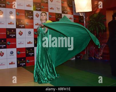 Mumbai, India. 19th Dec, 2017. Indian film actress Urvashi Rautela attend the Red carpet event of Zee Cine Awards - Stock Photo
