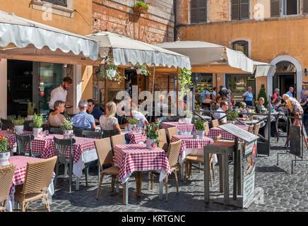 Sidewalk restaurant on Piazza della Rotonda in the centro storico, Rome, Italy - Stock Photo