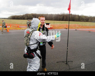 ORISKANY, N.Y. -- A perimeter security team from the 2nd Battalion, 113th Infantry, New Jersey Army National Guard - Stock Photo