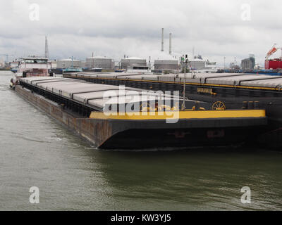 Bonanza   ENI 02320254 pushing Savanna VII   ENI 02321758 & ENI 02317207, Van Cauwelaertsluis, Port of Antwerp pic2 - Stock Photo