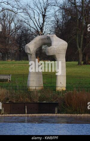 The Arch by Henry Moore, Kensington Gardens, Hyde Park, London, UK. - Stock Photo