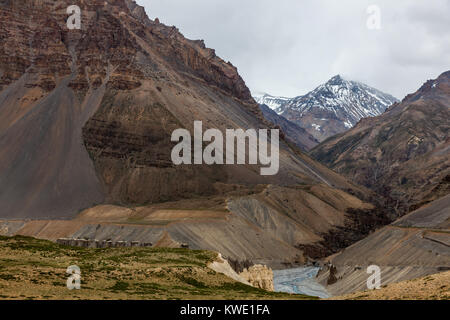 Himalayan landscapes around Chandra Taal during Spiti Valley Road Trip. - Stock Photo