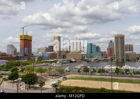 View from Federal Hill Park over Baltimore Inner Harbor towards downtown Baltimore, Maryland, United States. - Stock Photo