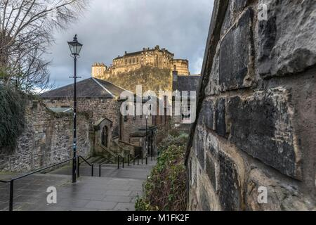 Edinburgh, UK. 30th January, 2018. A mix of sunshine and overcast clouds hangs over the East of Scotland Credit: - Stock Photo