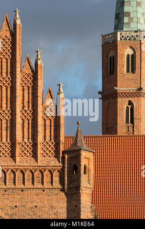 Wroclaw Breslau, St. Adalbert (polnisch Kosciól sw. Wojciecha), Westgiebel und Turm - Stock Photo