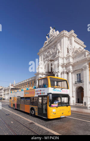 Sightseeing bus, Arco da Rua Augusta triumphal arch, Praca do Comercio, Baixa, Lisbon, Portugal, Europe - Stock Photo