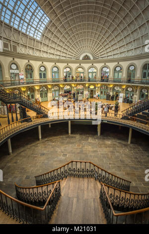 The Grade 1 listed Victorian Corn Exchange in Leeds is now filled with speciality shops. - Stock Photo