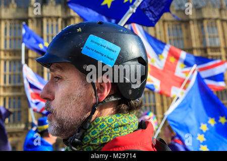 Westminster, London, UK. 6th Feb 2018. The Daily SODEM (Stand of Defiance European Movement) action protest sees - Stock Photo