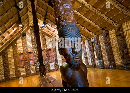 New Zealand, North Island, Paihia, Bay of Islands, Waitangi National Reserve. Treaty House. Te Whare Runanga meeting - Stock Photo