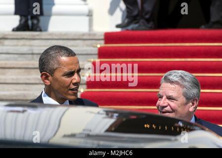 German President Joaquim Gauck receives US President Barack Obama in the Presidential Palace in Berlin. - Stock Photo