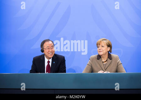 Press conference with Federal Chancellor Angela Merkel and Secretary-General Ban Ki-Moon after a meeting. - Stock Photo