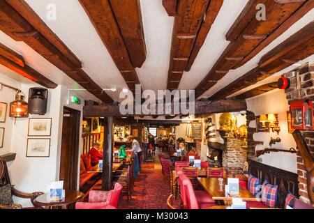England, Devon, Dartmouth, Bar in the Royal Castle Hotel - Stock Photo